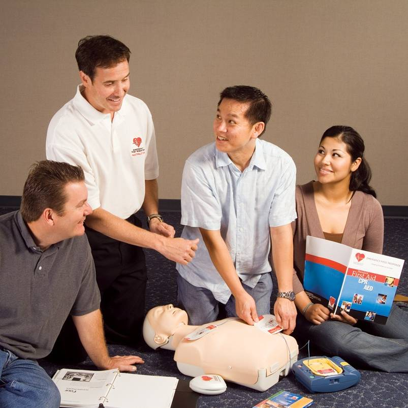 Emergency First Responder (EFR) course by Namloo Divers Phuket